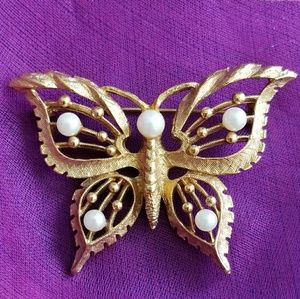 Vintage butterfly brooch pin insect jewelry gold